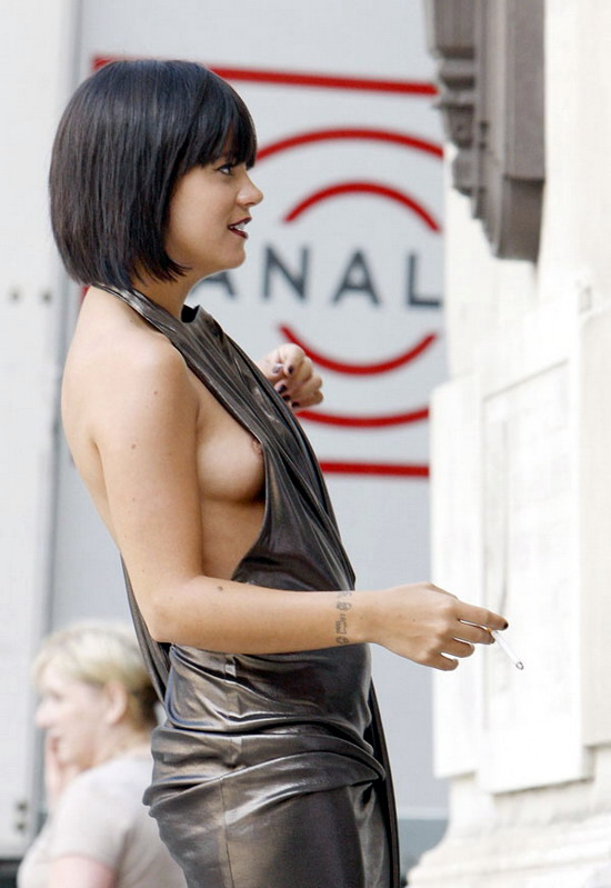lily allen performing in see through top