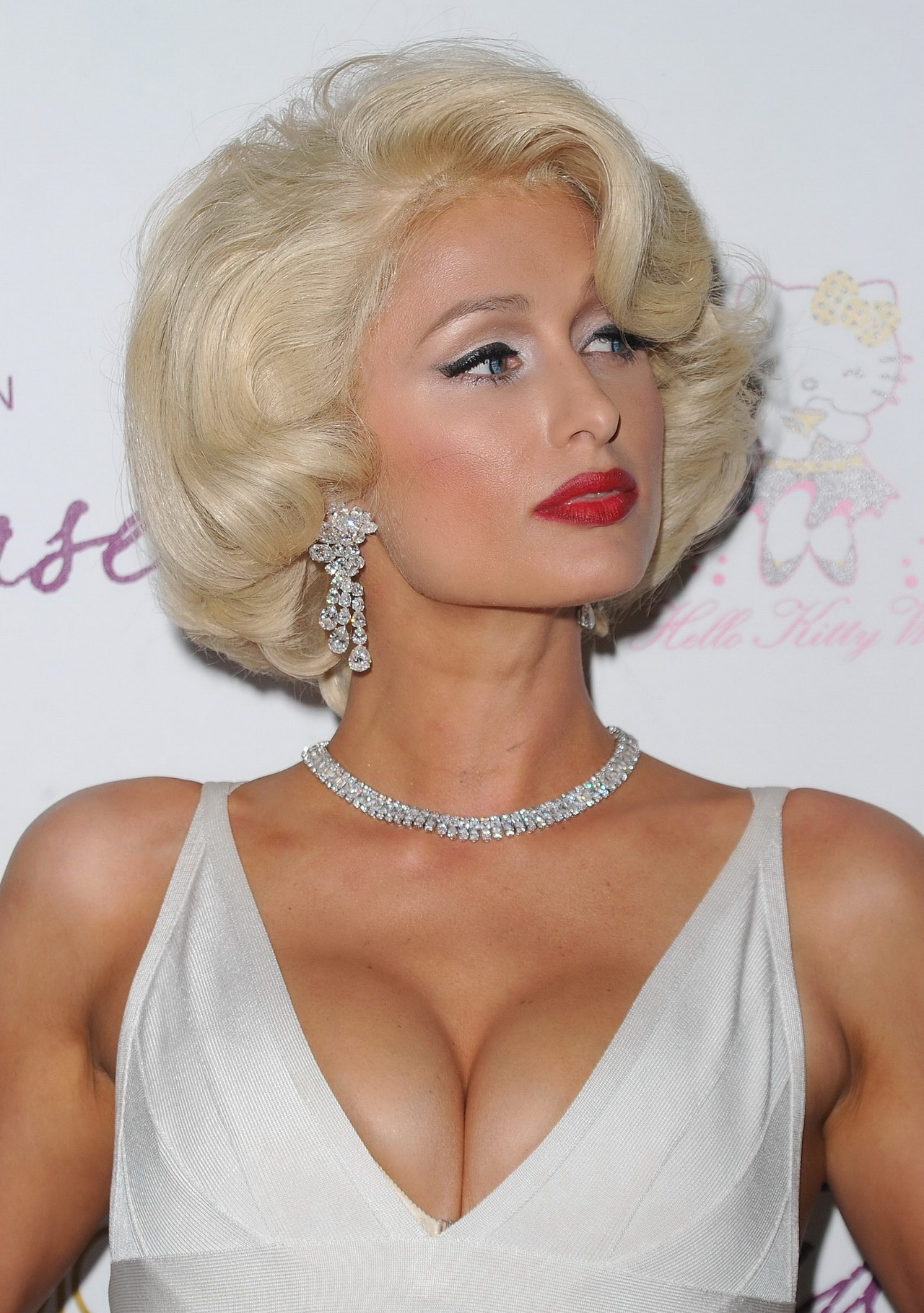 Paris Hilton Showing Huge Cleavage At Her Tease Fragrance Launch In La-8608