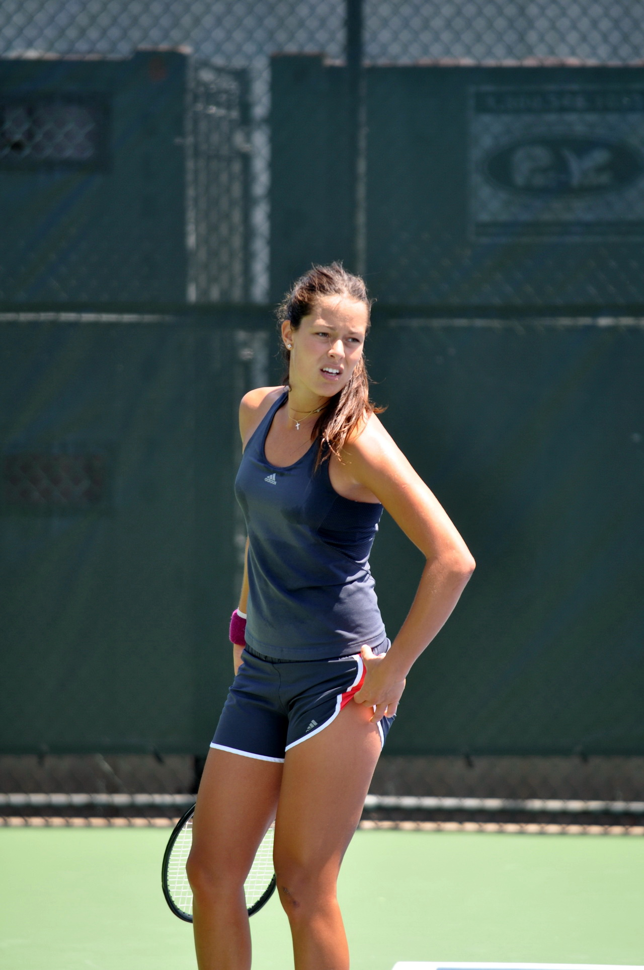 Ana ivanovic shows her ass during a game in birningham 2