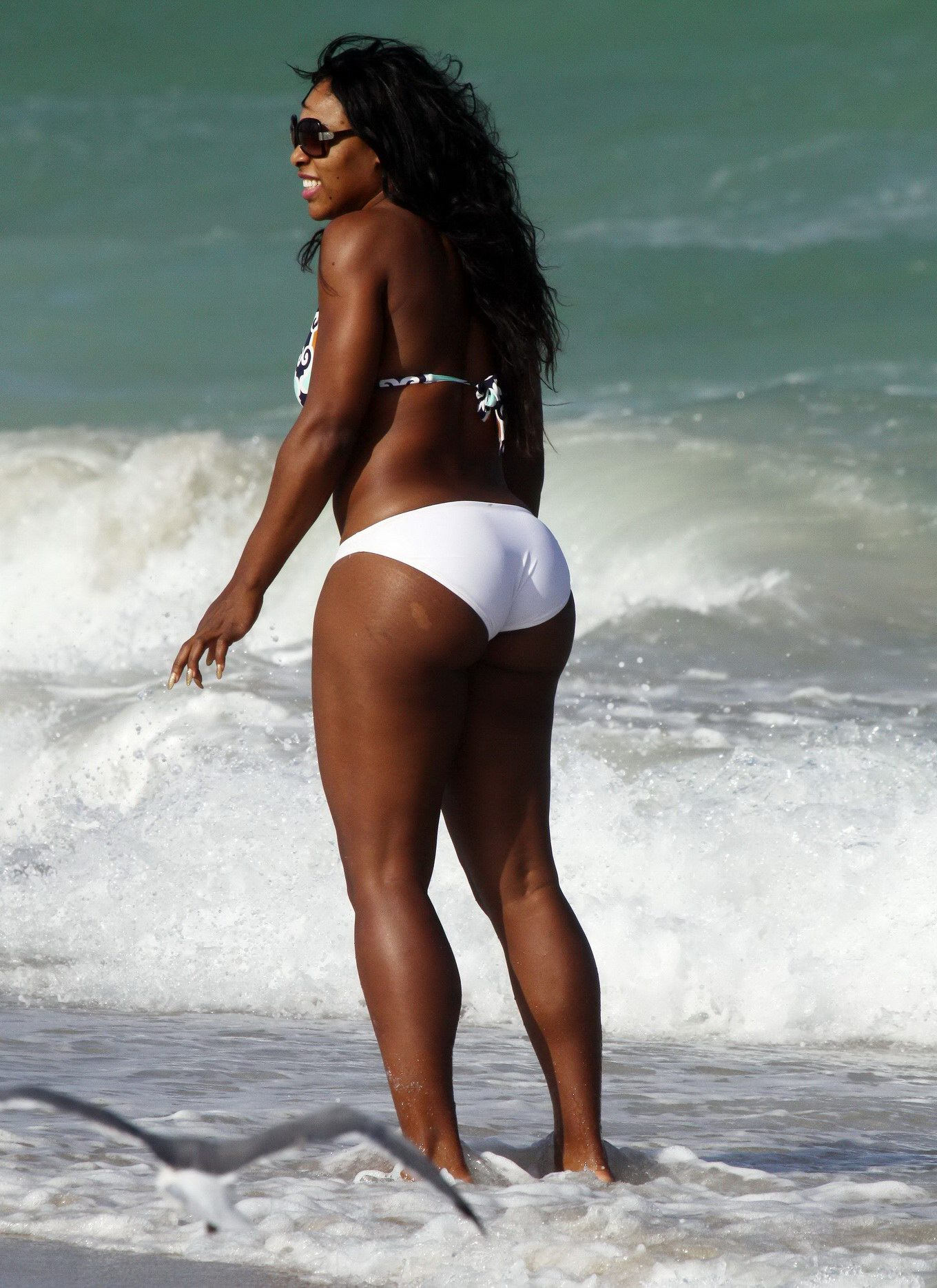 Serena williams serves up racy look in skimpy bikini while on vacation in bahamas