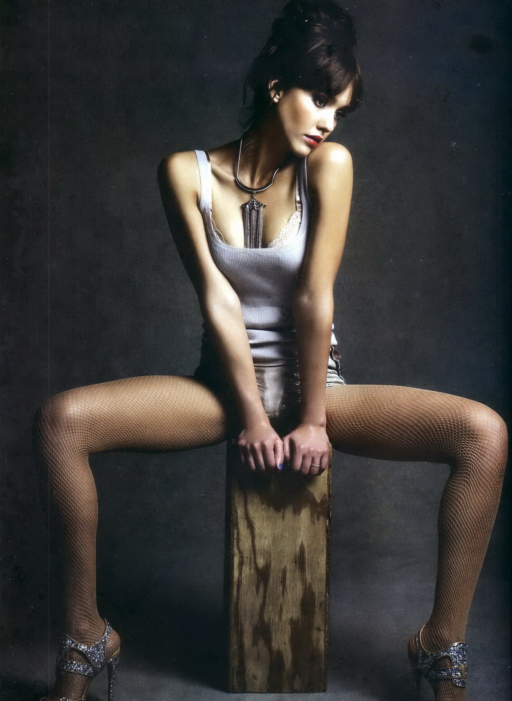 That Jessica alba nyde legs spread open serious?