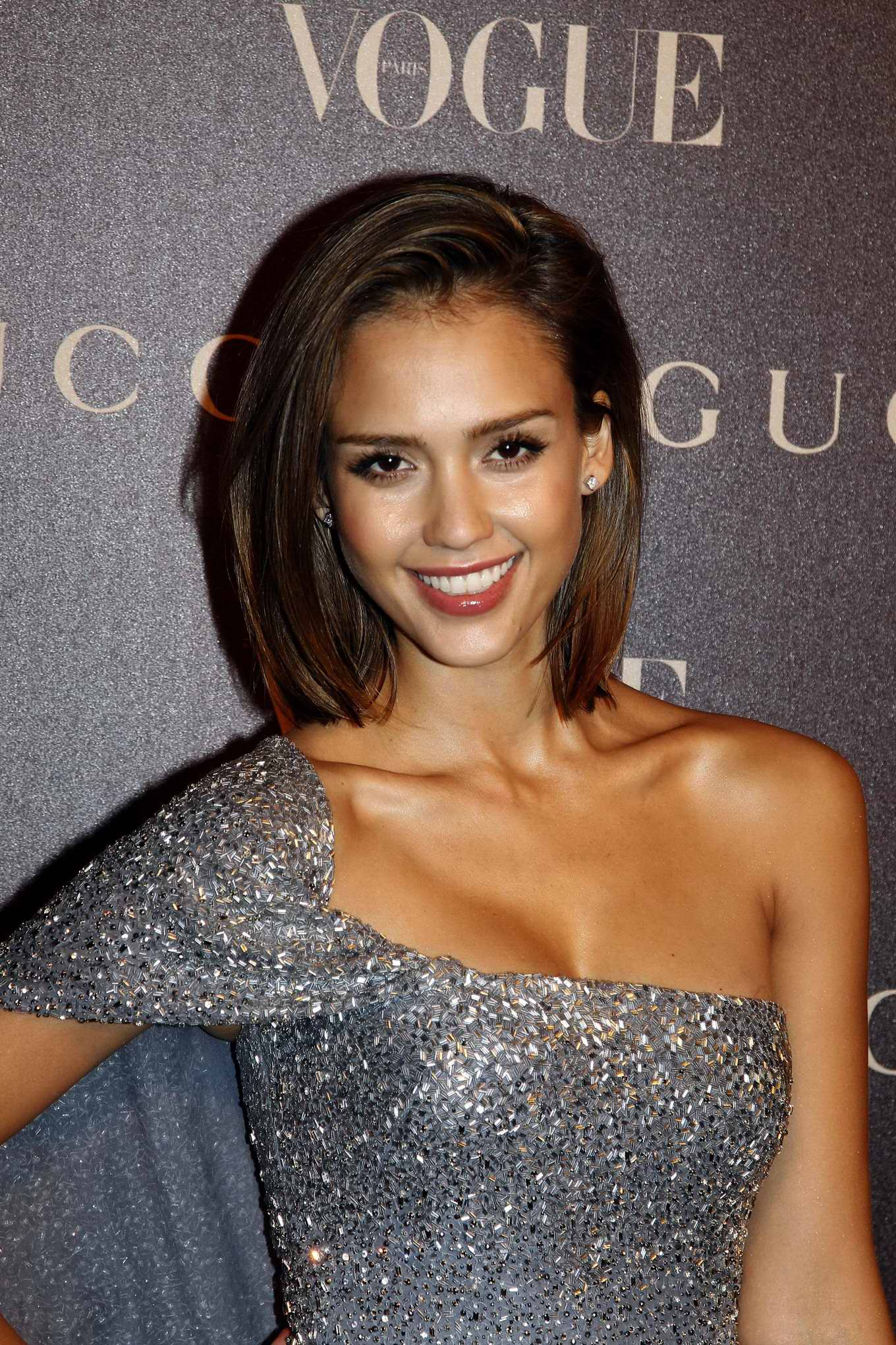 nude celebrities daily celebrity galleries with thousands of free nude ...: www.celeb-for-free.com/pics/celeb2057/jessica_alba_foto...