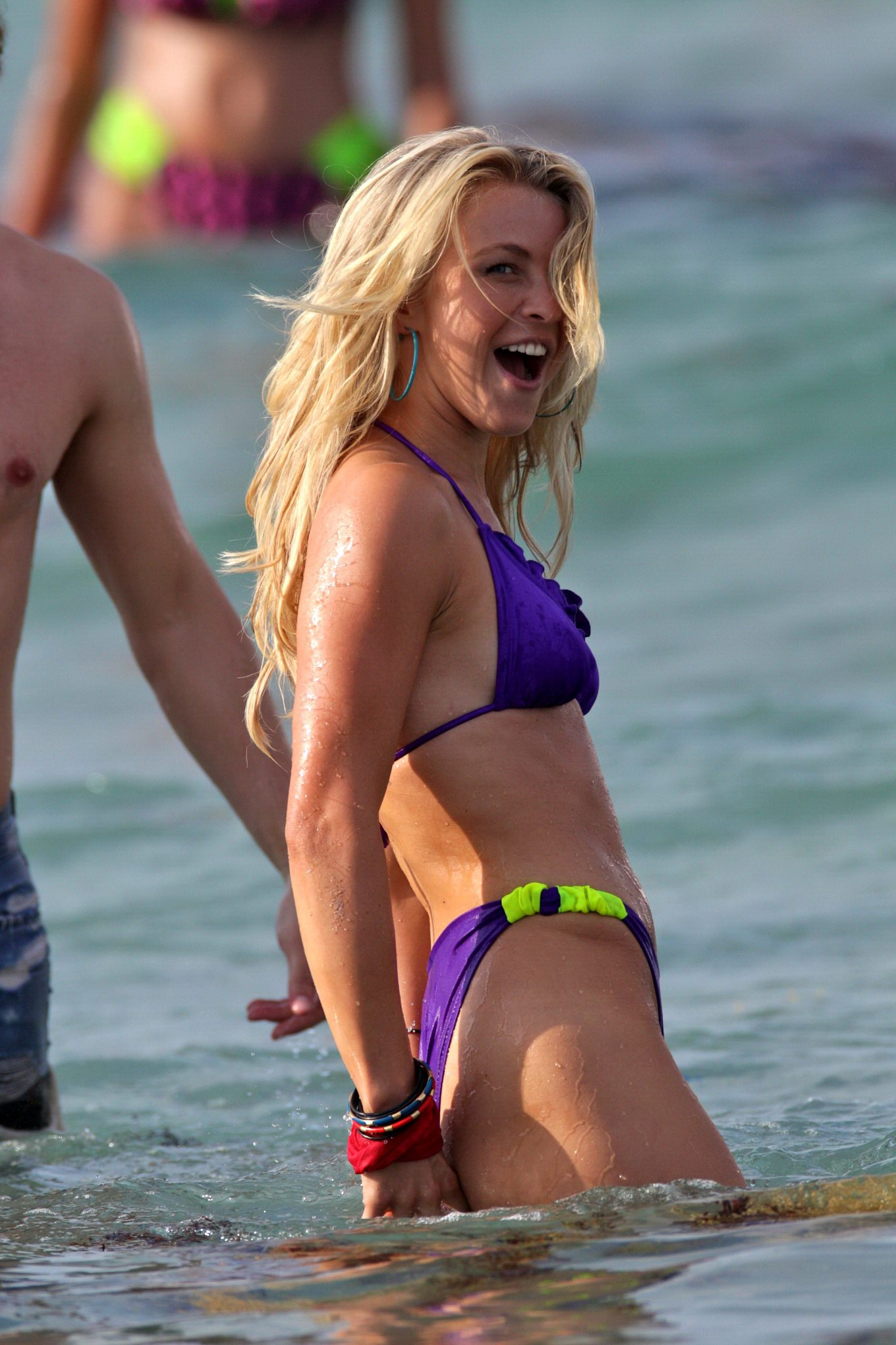 Julianne Hough Humping  Making Out On The Set Of Rock Of -4172