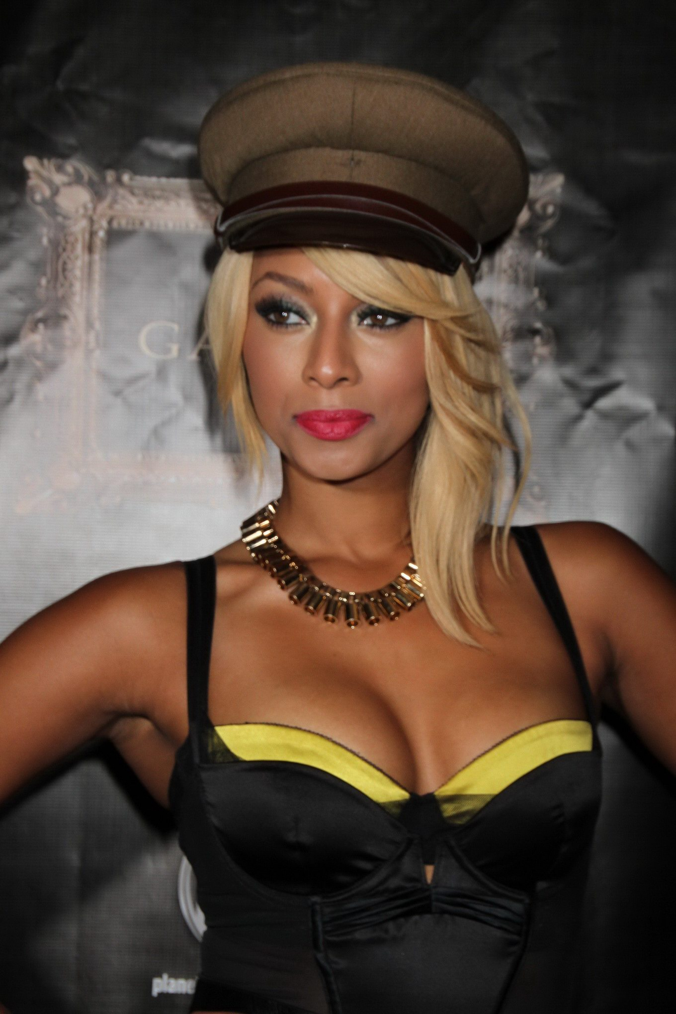 Is keri hilson bisexual