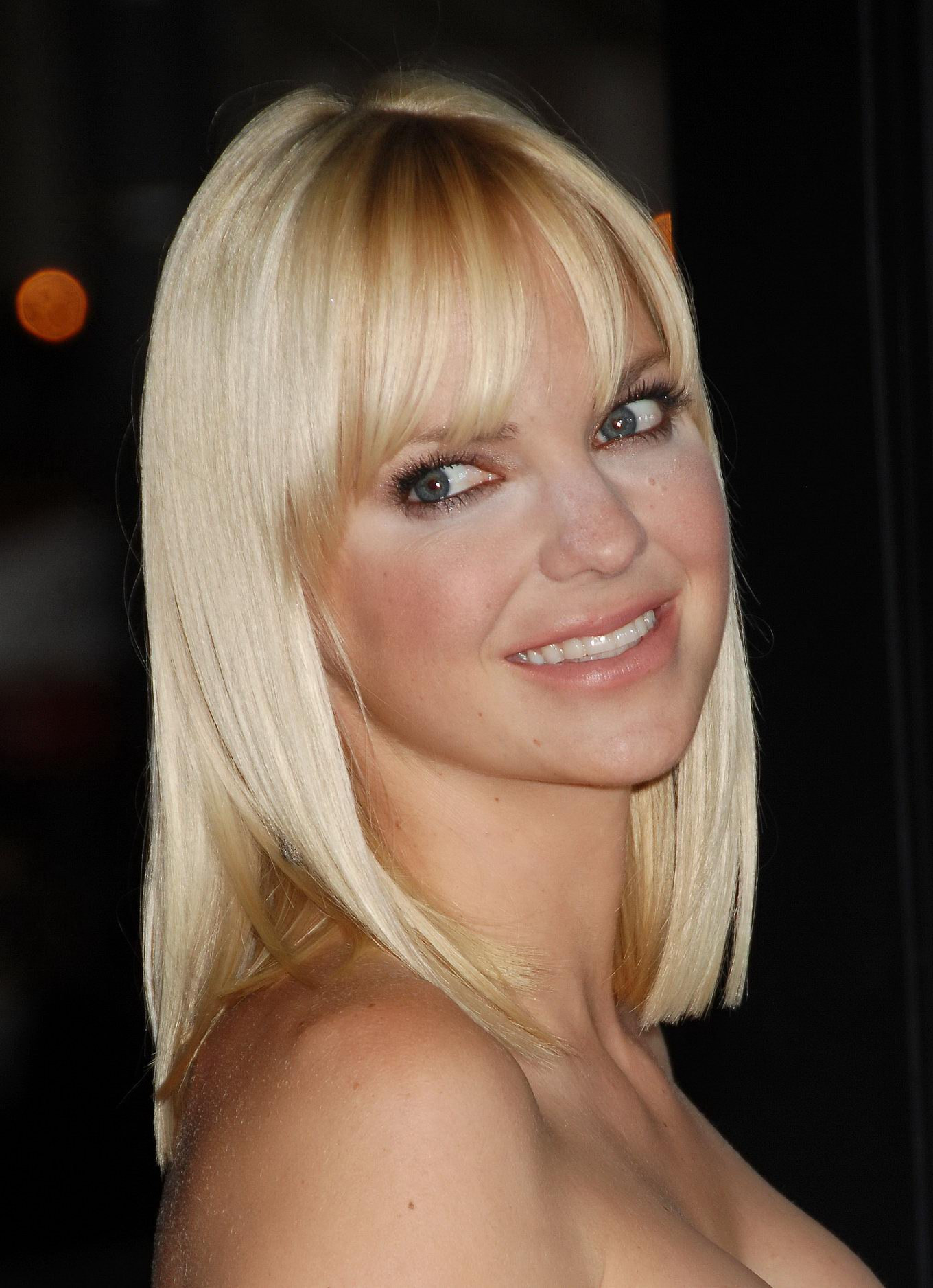 Anna Faris Busty Wearing Strapless White Dress At Whats -4838