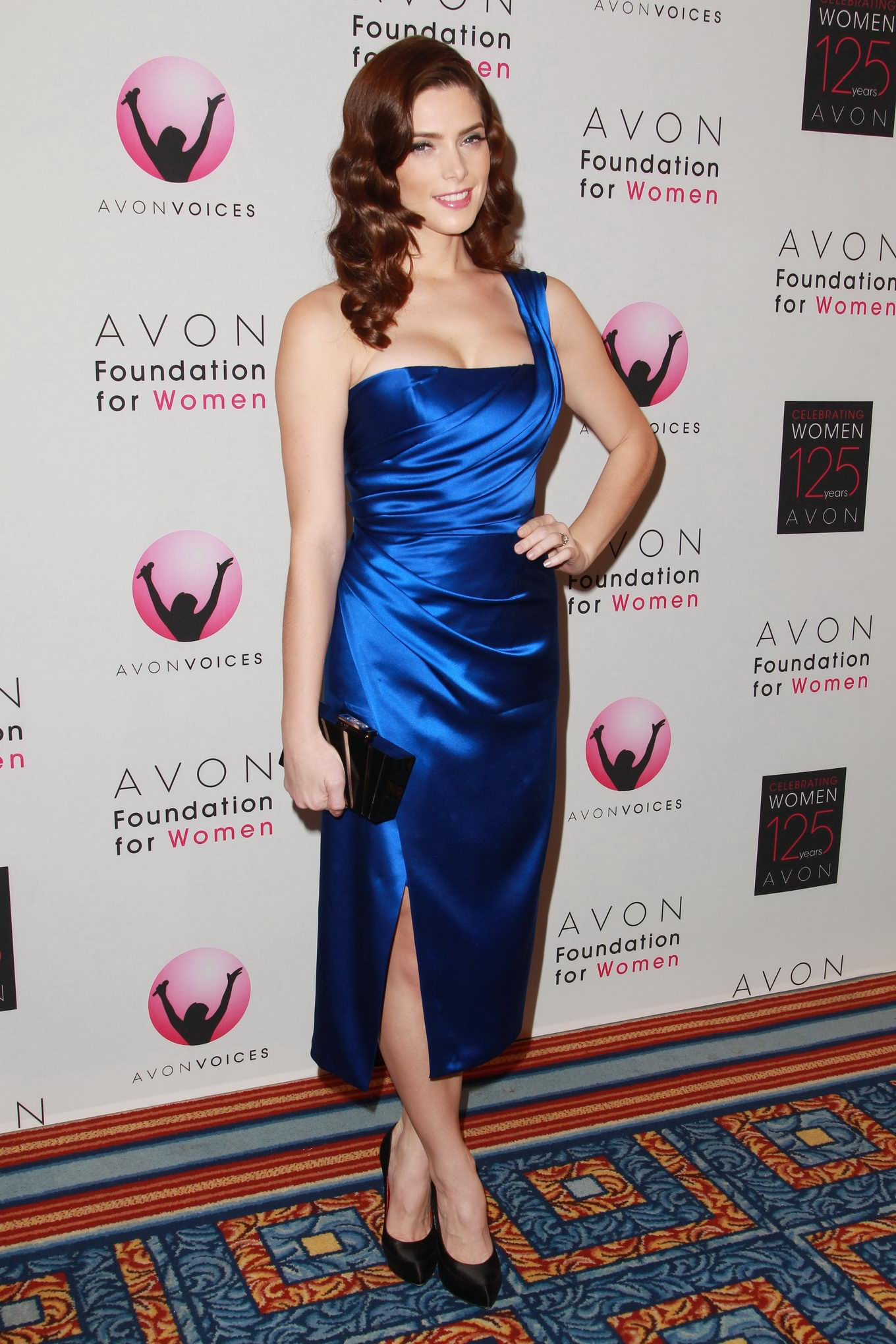 Ashley Greene showing cleavage in blue dress at the Global Voices for ...: www.celeb-for-free.com/pics/celeb2777/ashley_greene_xxx_freeones.html