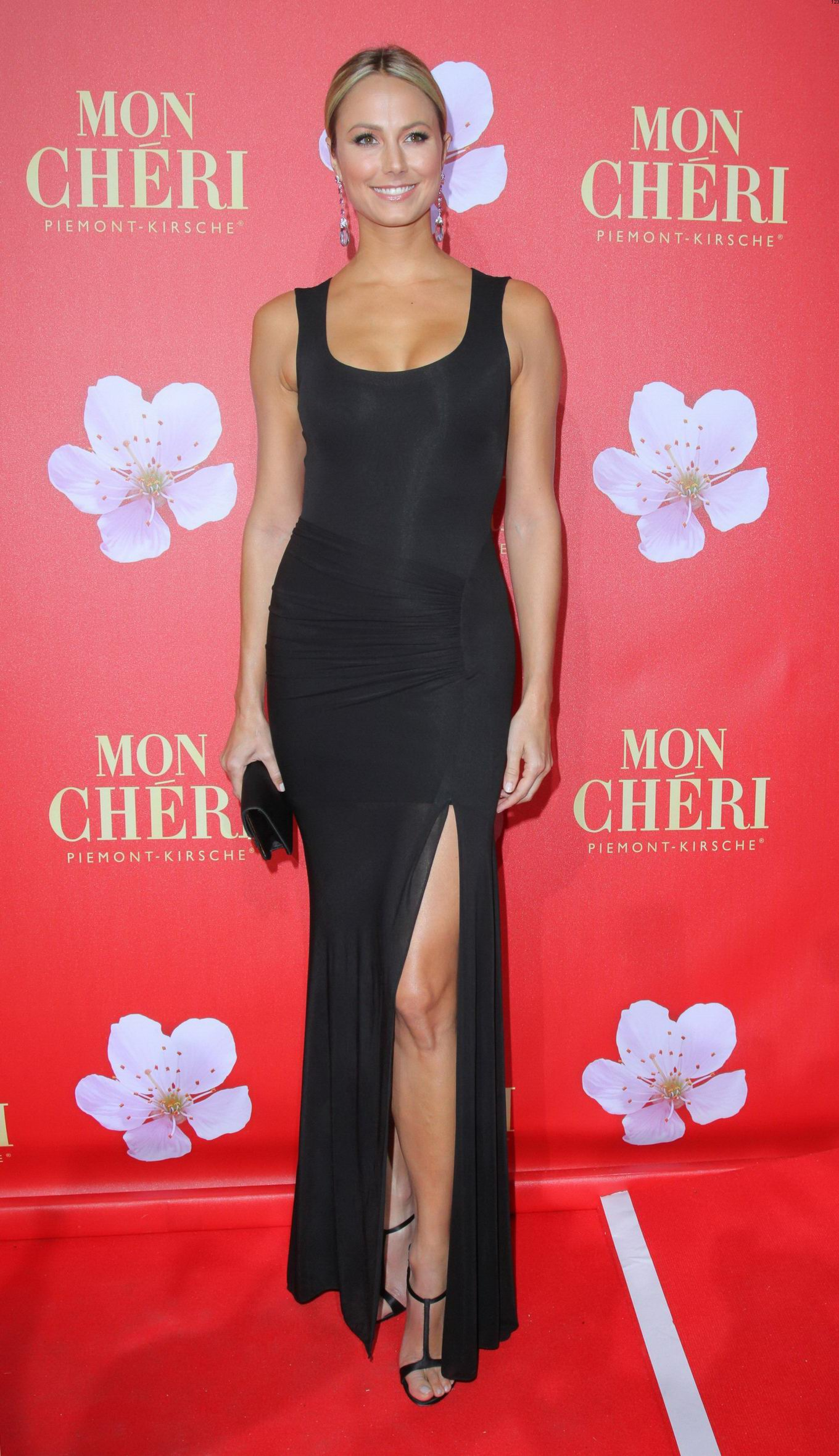 Stacy Keibler Stunning In Tight Black Dress At Mon Cherie Barbara Day