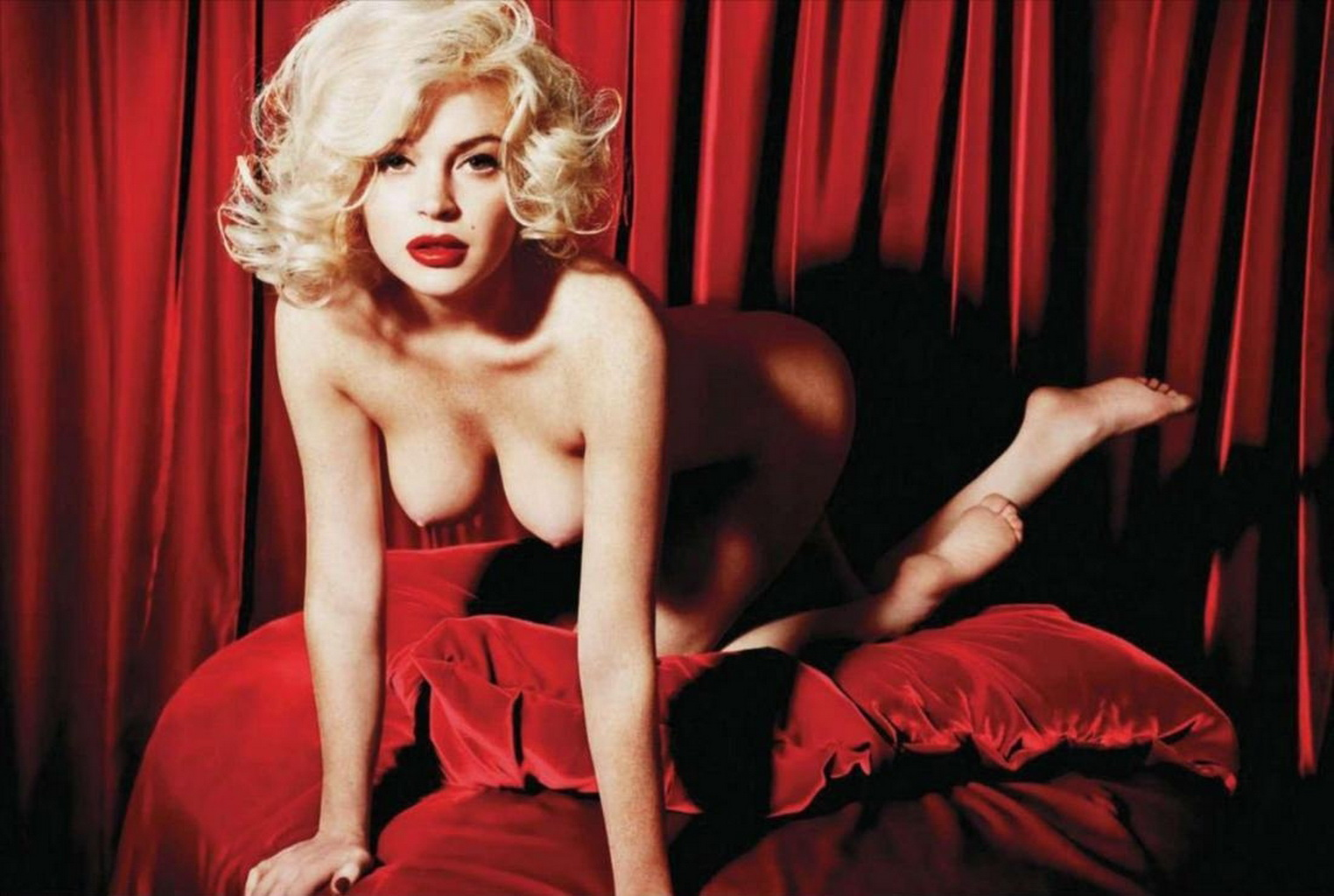 Are some Marilyn monroe nude legs spread