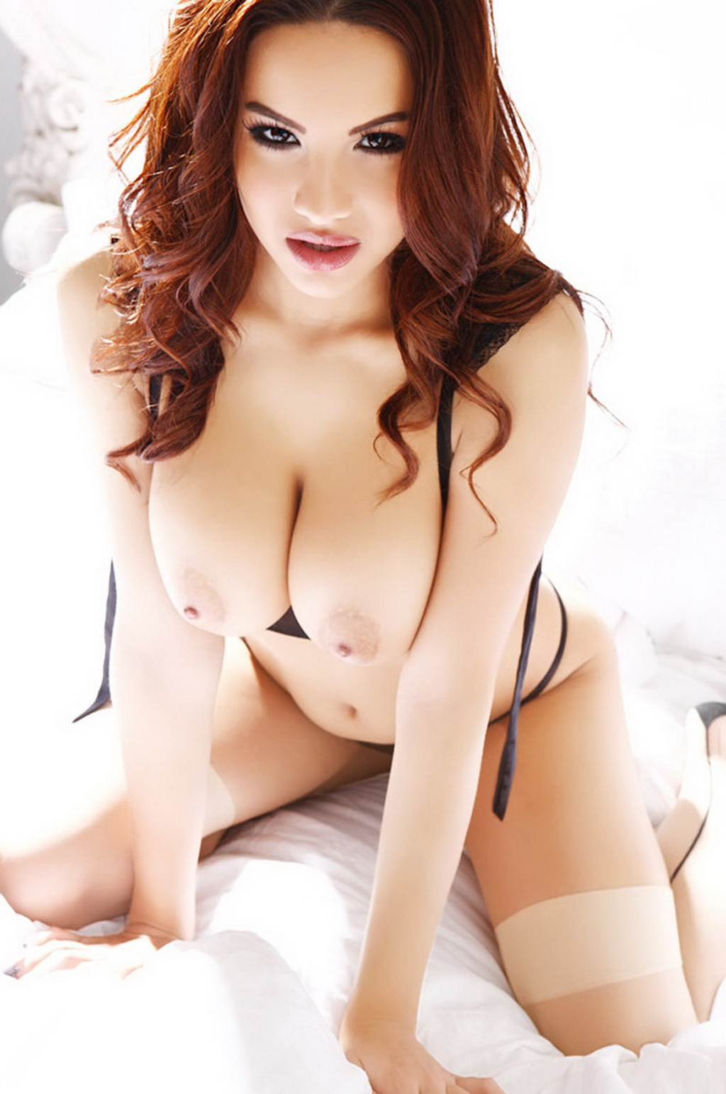 nude babes in bed sex