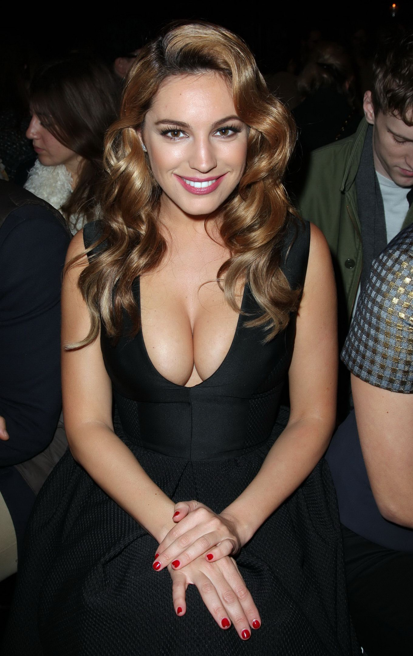 Kelly brook shows awesome cleavage wearing a black dress at london fashion week - Best shows to see in london ...