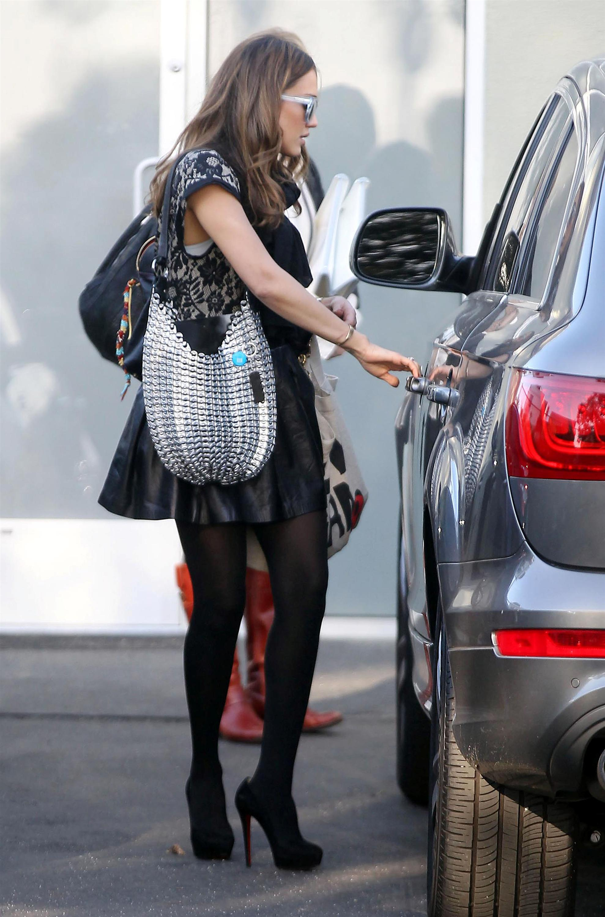 Sorry, that jessica alba wearing pantyhose think