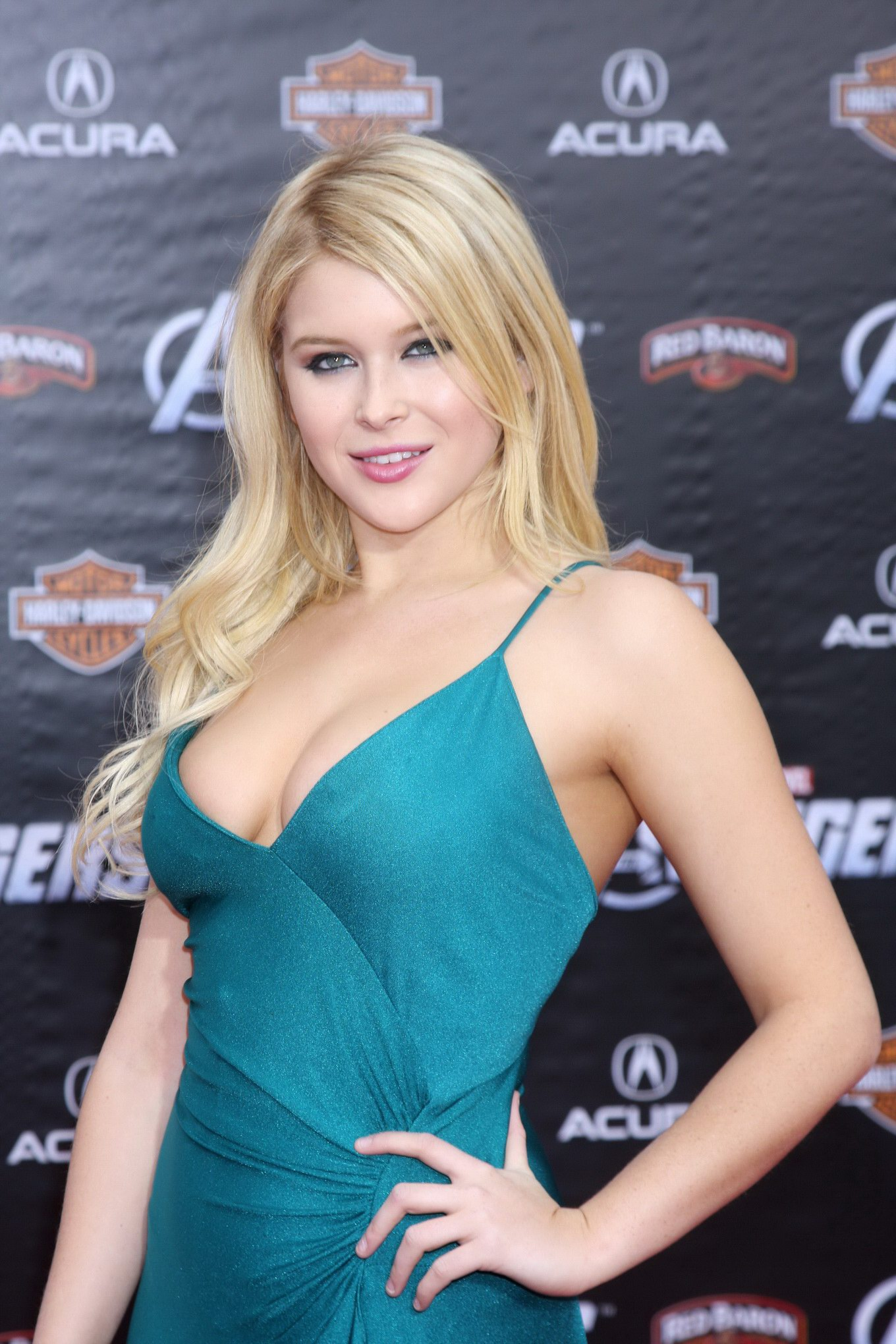 Can recommend Renee olstead cleavage agree with