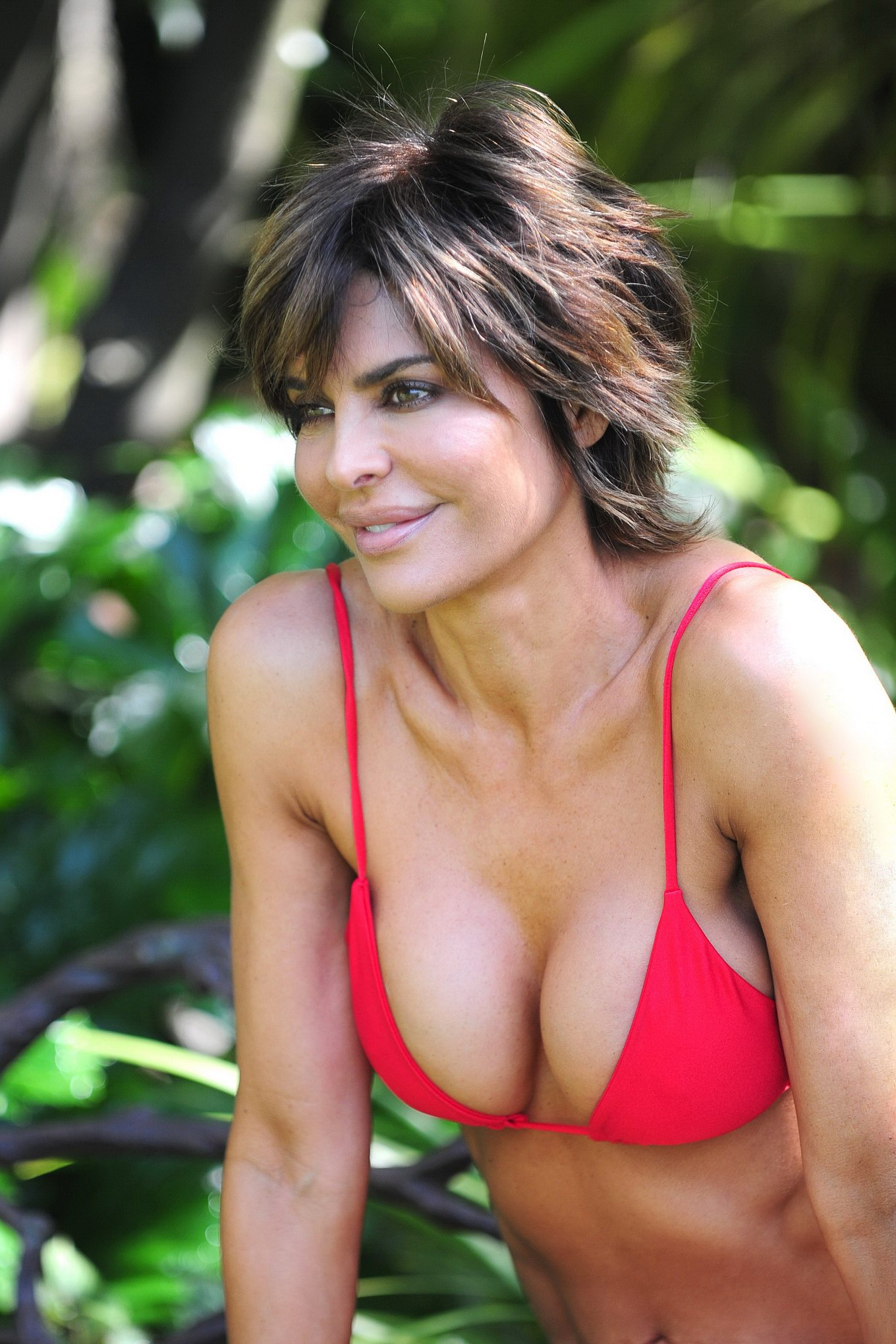 Very horny lisa rinna bikini guy would