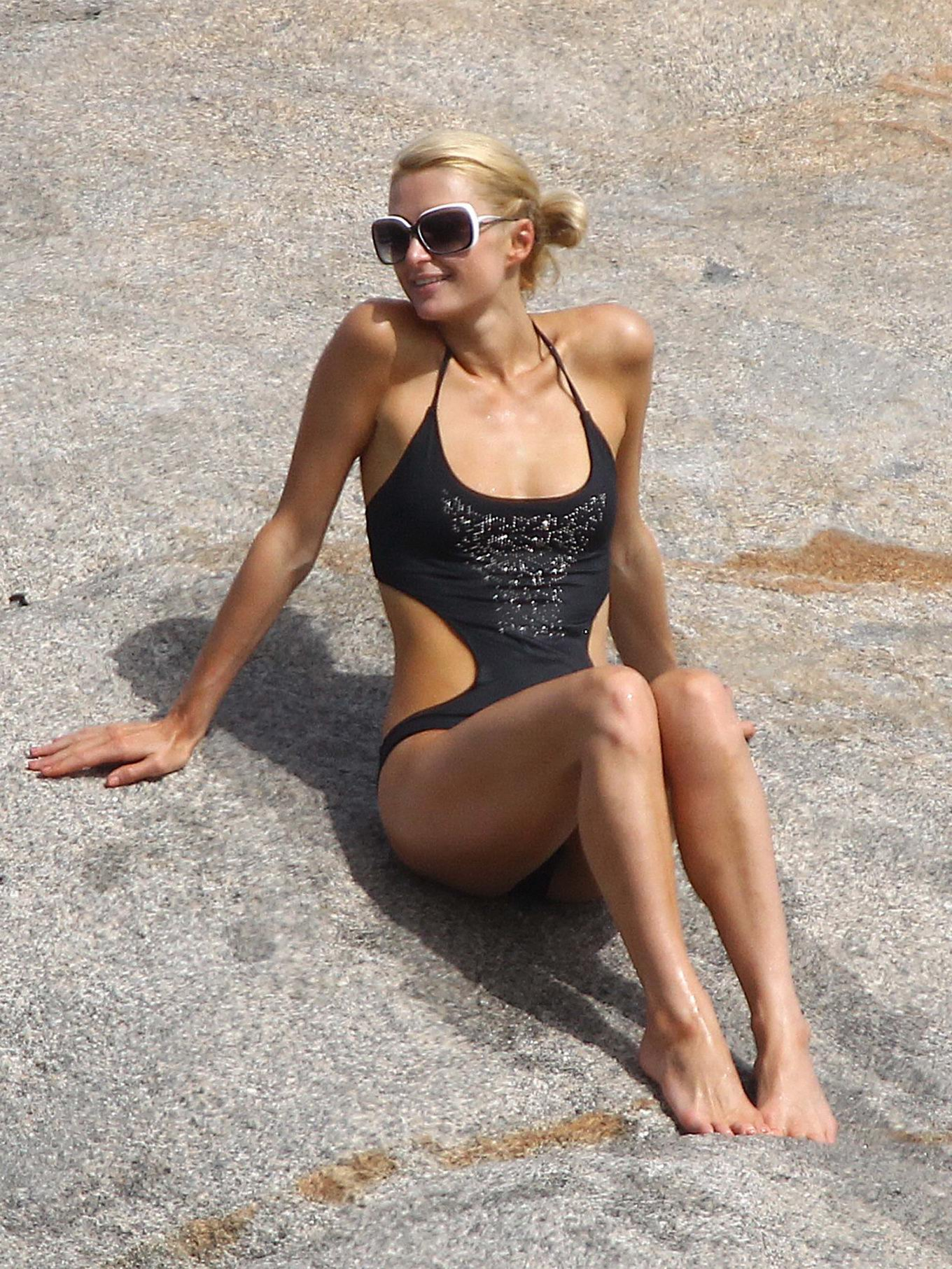 paris hilton young and nude on the beach