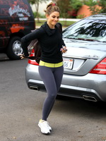 Maria Menounos showing off her ass in tights outside a gym in LA from CelebMatrix