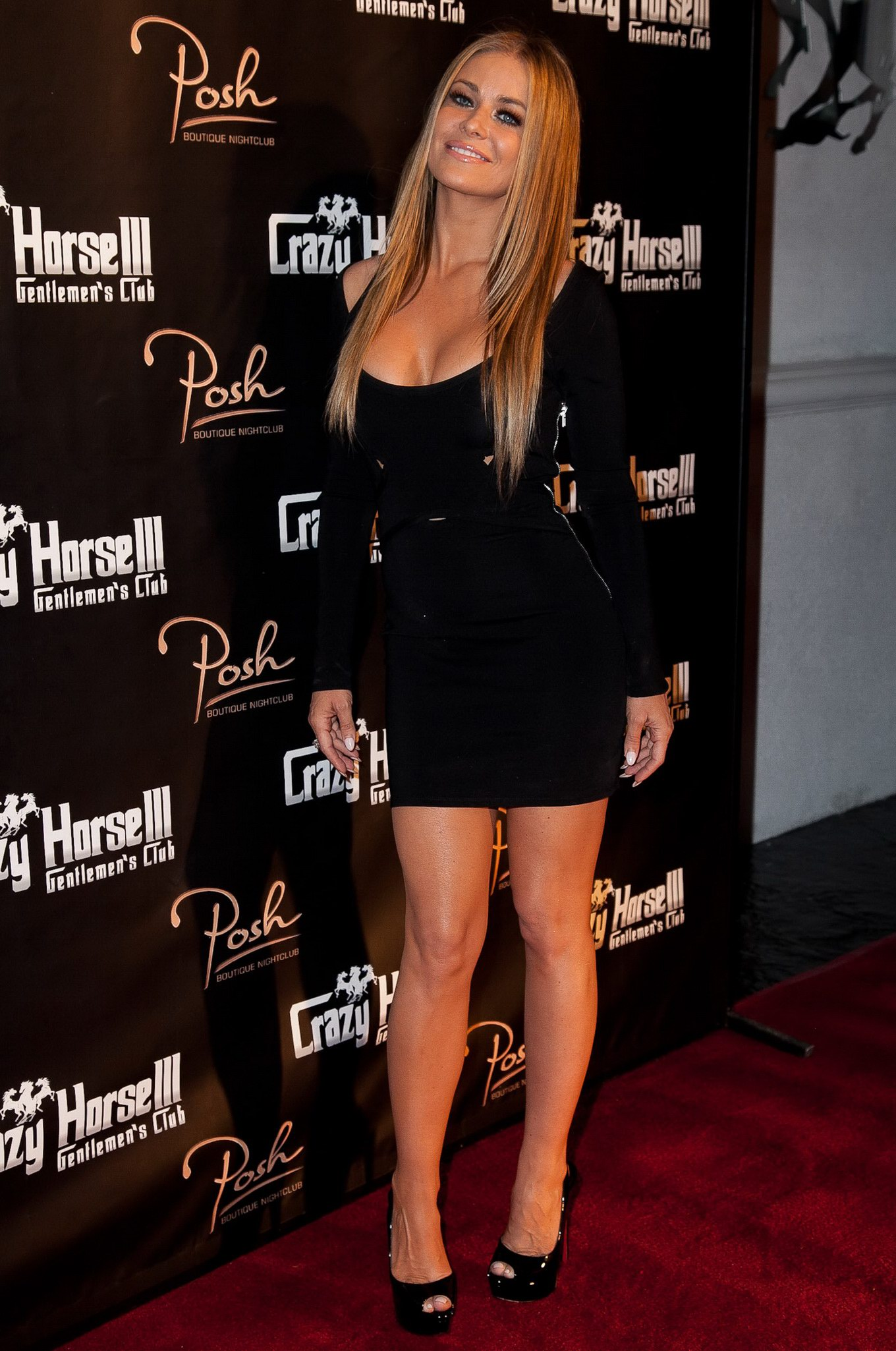 Carmen Electra Gets Spotted In Her Tight Top