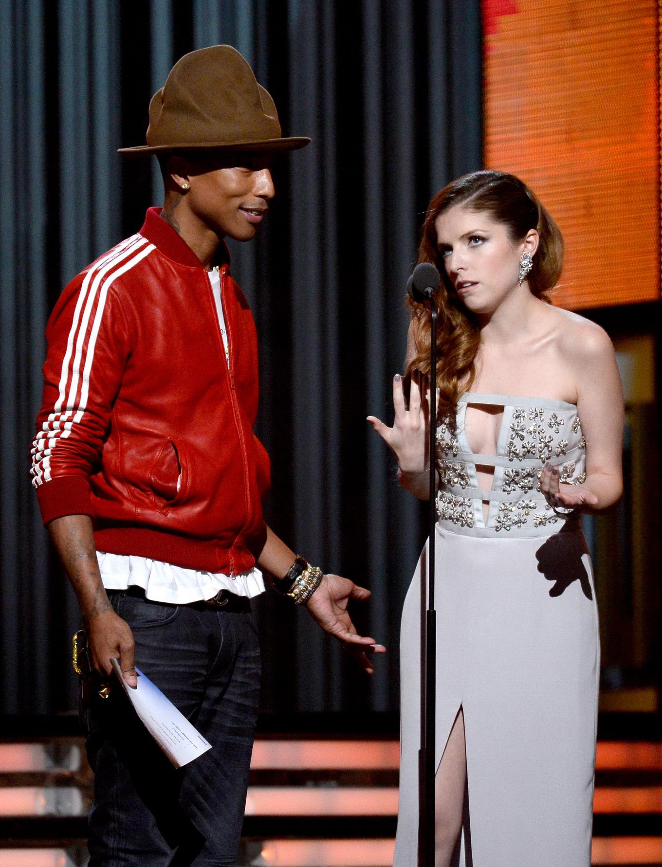 Anna kendrick showing cleavage at the 56th annual grammy awards from