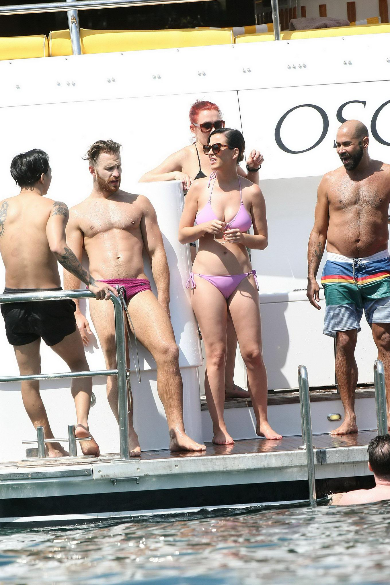 perry showing off her bikini body and camel toe on a yacht in sydney