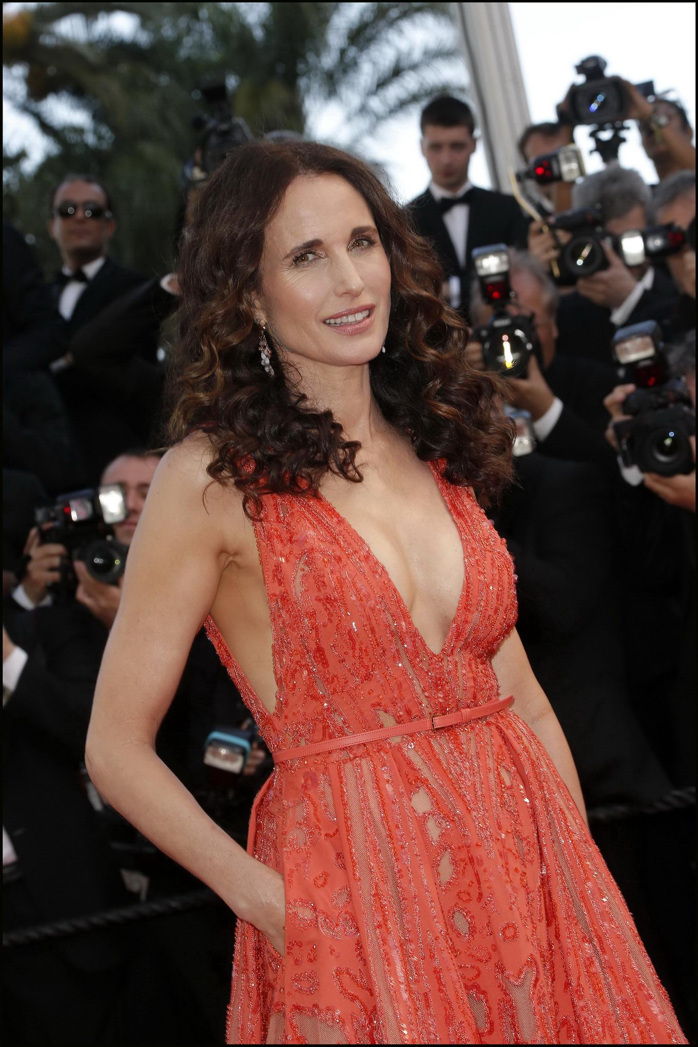 Busty Andie MacDowell showing huge cleavage at the 'Inside ...