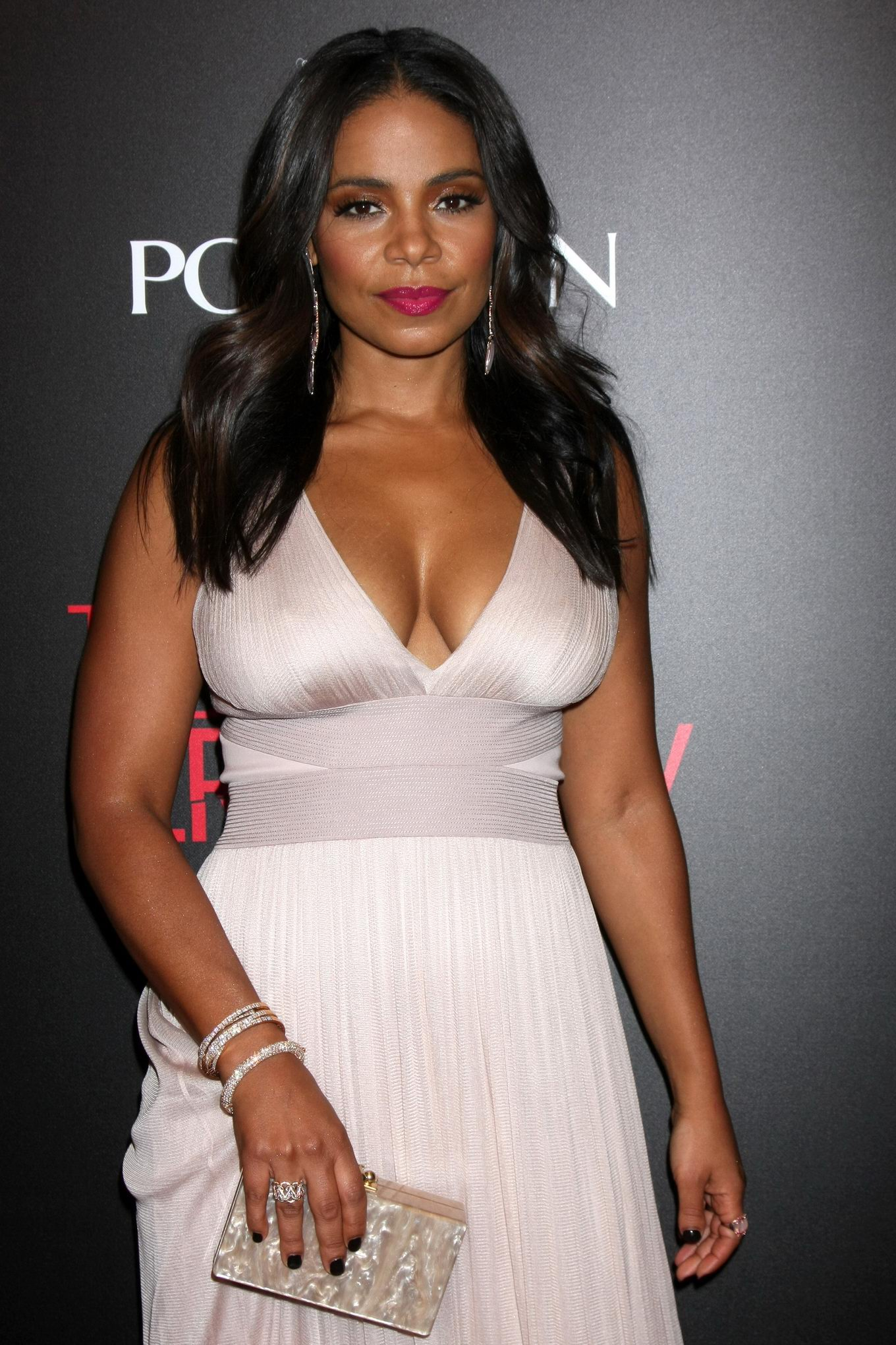 Sanaa Lathan showing huge cleavage at 'The Perfect Guy ...