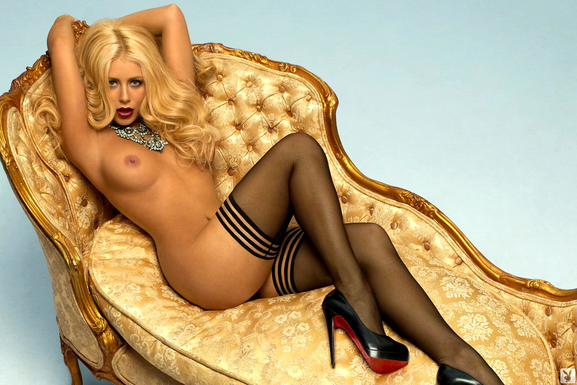 aubrey o day 08 Anna Faris first nude scene showing ass (NSFW)