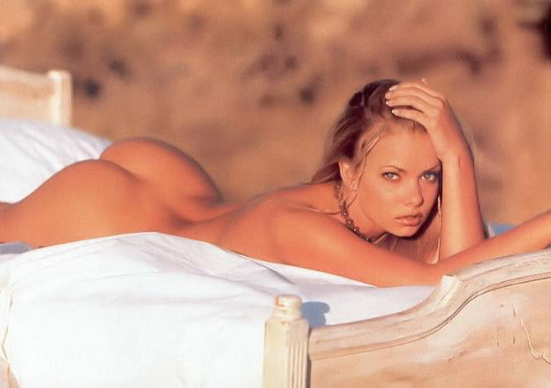 My Name Is Earl Actress Jaime Pressly Nude Shots