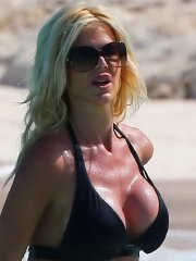 Victoria Silvstedt busty and booty in tiny black bikini at the beach in St.Barts