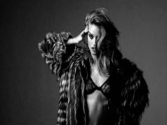 Rosie Huntington-Whiteley's smoking hot tits for a topless grayscale shoot