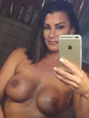 Lisa Marie Varon shows off her big boobs & shaved pussy - private leaked photos