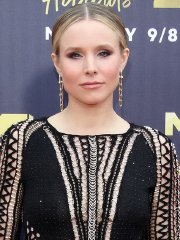 Kristen Bell see-thru to nipples & thong panties at 2018 MTV Awards in Santa Monica
