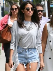 Selena Gomez leggy wearing fuck-me boots and hotpants at Gracias Madre in West Hollywood