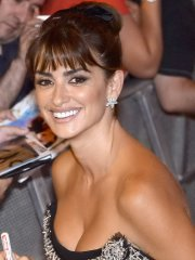 Penelope Cruz busty in black strapless high slit dress at Ma Ma premiere in Madrid