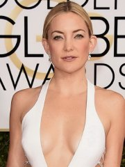 Kate Hudson braless showing huge cleavage in revealing white dress at 72nd Annual Golden Globe Awards in Beverly Hills