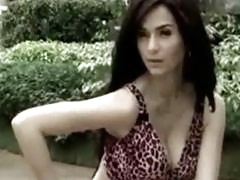 Jennylyn Mercado poses with her pretty Filipina cleavage popping out