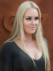 Lindsey Vonn upskirt flashing panties and huge cleavage at Roland-Garros in Paris