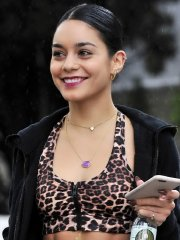 Vanessa Hudgens looks hot in leopard print belly top and tights at a rainy day out in LA